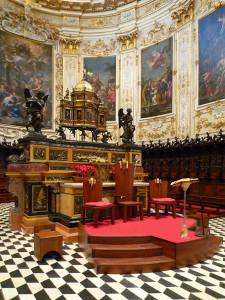 Ciborio ed Altare Maggiore.